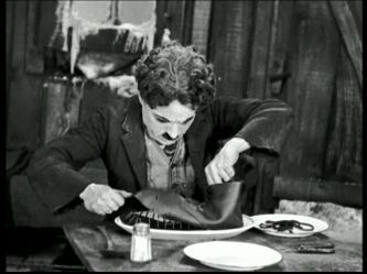 Chaplin-scène-soulier